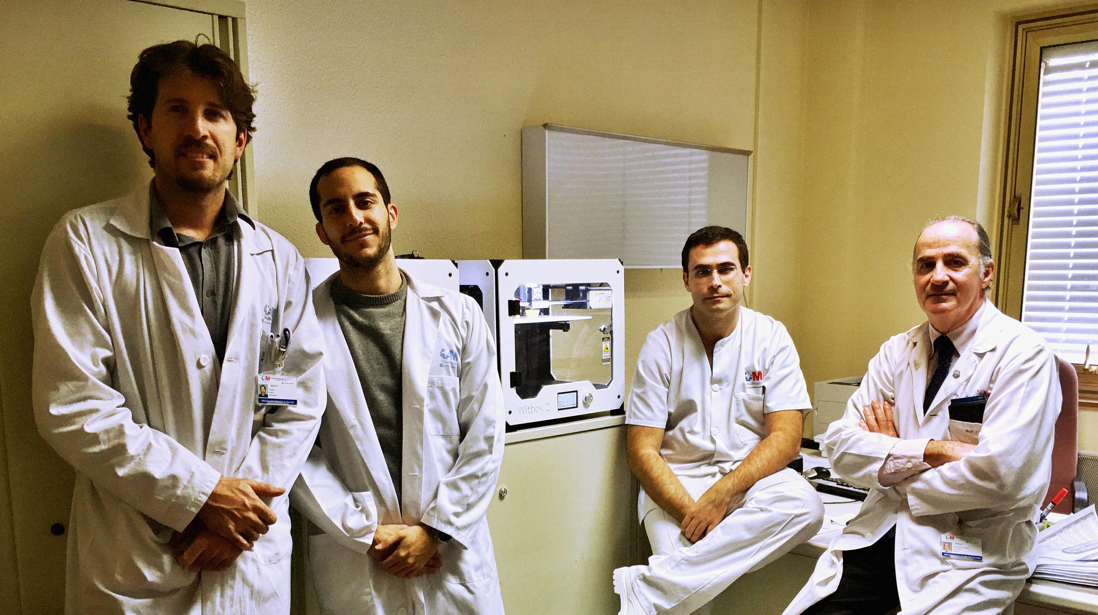 Resultado de imagen de Servicio de Cirugía Ortopédica y Traumatología, el doctor Rubén Pérez Mañanes